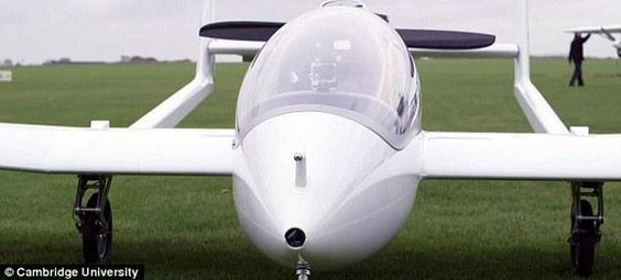 "Daily Mail OnlineさんはTwitterを使っています: ""New plane could be the world's first green aircraft http://t.co/d7QHeIo0WJ http://t.co/SGQJfR9VXj"""