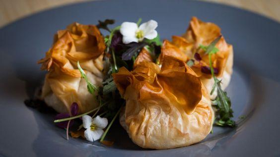 Une recette de baluchons de poulet au camembert, présentée sur Zeste et Zeste.tv