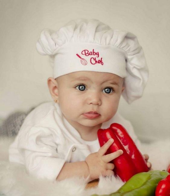 Faschingskostueme-Kinder-Babys-koch-hut-paprika