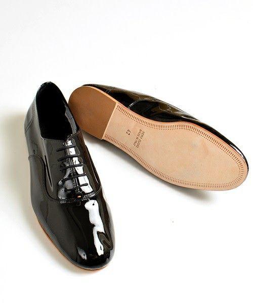 [ツヤツヤ感が魅力]エナメル靴のおすすめ&コーディネートをチェック