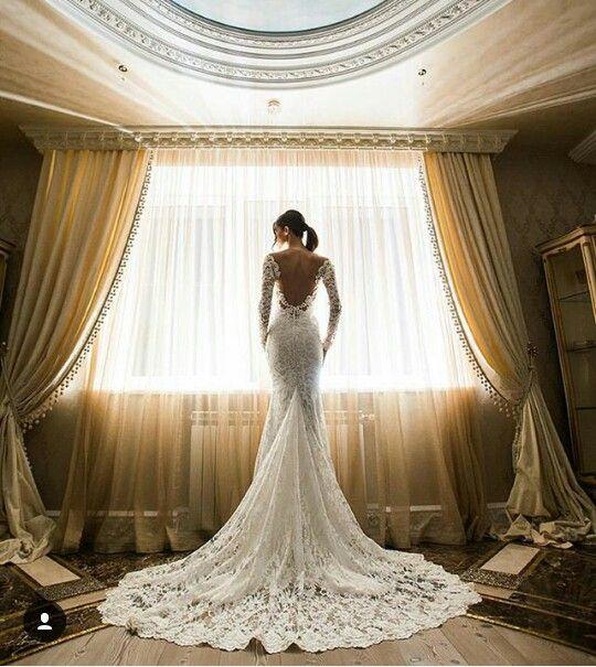 vestido de novia al cuerpo de encaje