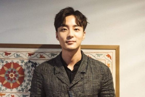 Update: Roy Kim Revealed To Have Already Returned To Korea