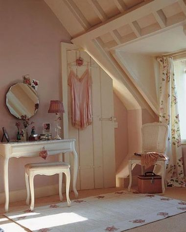 Dressing room in loft: