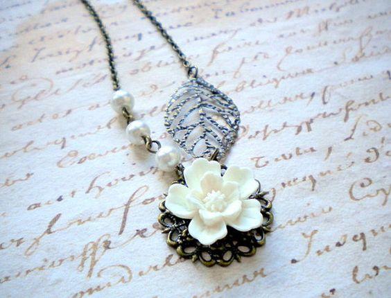 Bridesmaid Necklace White Flower Necklace Wedding Necklace Pendant Necklace Choker Necklace