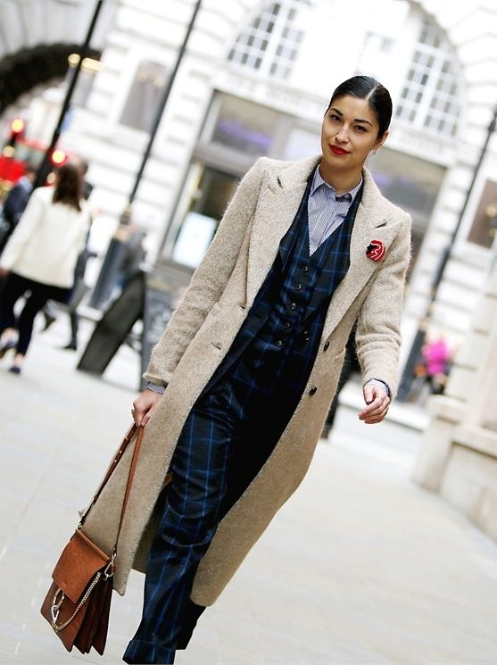 so well suited. #CarolineIssa in London.