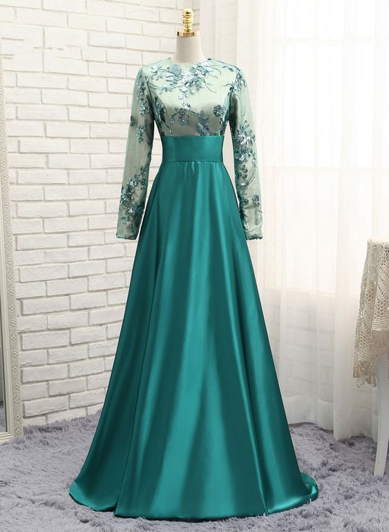 Green Muslim Evening Dresses A line Long Sleeves Satin