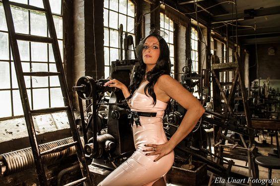 Fetischshooting in der alten Feilenfabrik