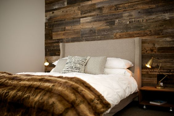 Barn wood walls barn wood and wood walls on pinterest for Planche de bois noir