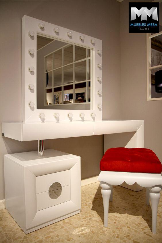 #tocador #vanitychest #vanitydesk Tocadores Franco Furniture en la exposición de Muebles Mesa en Lucena www.francofurniture.es