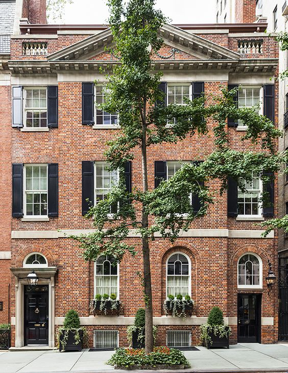 Residence on east 80th street projects sawyer berson for Modern townhouse exterior