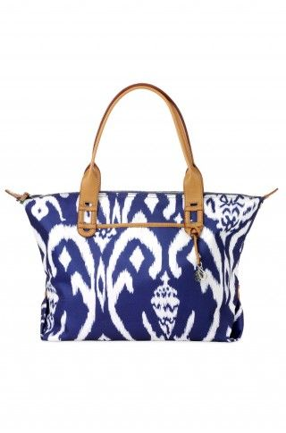 I LOVE the Stella & Dot How Does She Do It - Navy Ikat bag. It was sold out but now it's back so I ordered one before it sells out again! Check it out! #StellaAndDot: