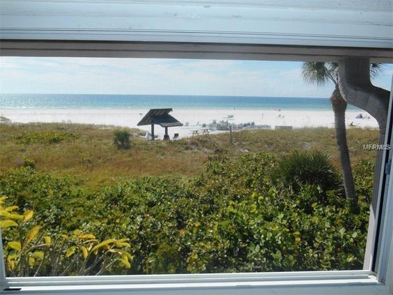 Rent This Siesta Key Condo With Amazing Views Of The Incredible Beach Gulf Of Mexico Imagine Spending An Entire Month T Siesta Key Condo Beachfront Sarasota
