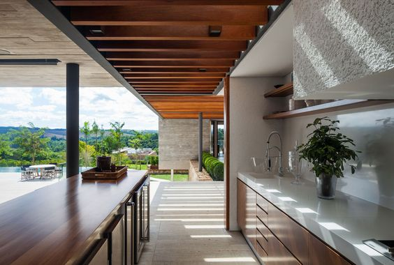 Área externa de festas. Reinach Mendonça Arquitetos Associados: Casa EL, Bragança Paulista, SP - Arcoweb