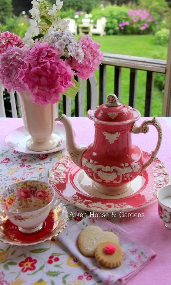 Aiken House & Gardens: Vintage Touches