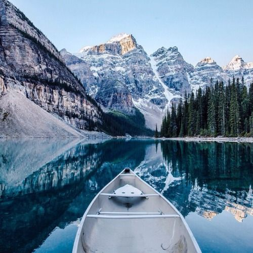 Lac Moraine Lacs And Canada On Pinterest