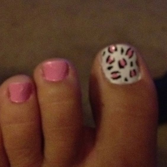 Leopard toes!!!