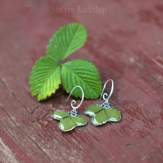 Earrings strawberry leaf dried leaves real plant vintage Resin jewelry Real dried flower jewelry green earrings herbarium botanical jewelry by sincereworkshop on Etsy