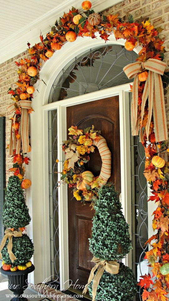 Fall front entrance. Visit Our Southern Home for the details! #fall #falldecor #fallwreath: