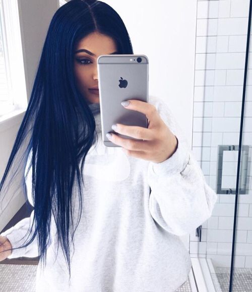 Here's Exactly How to Copy Kylie Jenner's Navy Blue Hair
