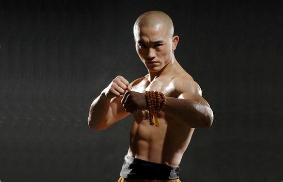 Sanda mischiato al tradizionale. Allenamento utile. Il Kung Fu è un mondo unico diviso in compartimenti stagni. Nord e sud, interno ed esterno, tradizionale o Sanda. E se fosse sbagliato? http://www.kungfulife.net/blog/sanda-mischiato-al-tradizionale-allenamento-utile/