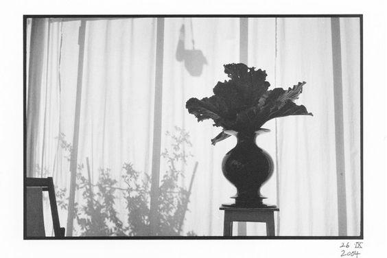 Vase en céramique VASO NERO by Produzione Privata design Michele De Lucchi
