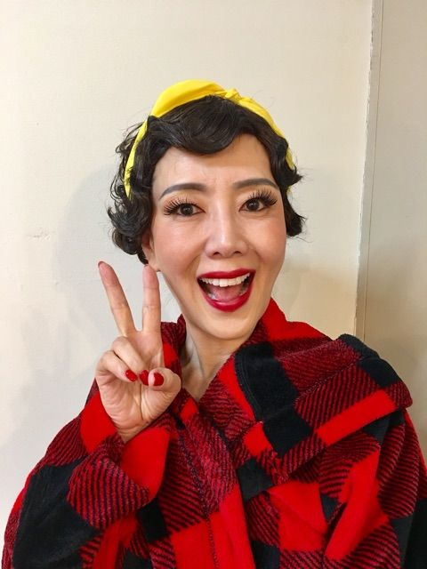 つけまつげバサバサな戸田恵子
