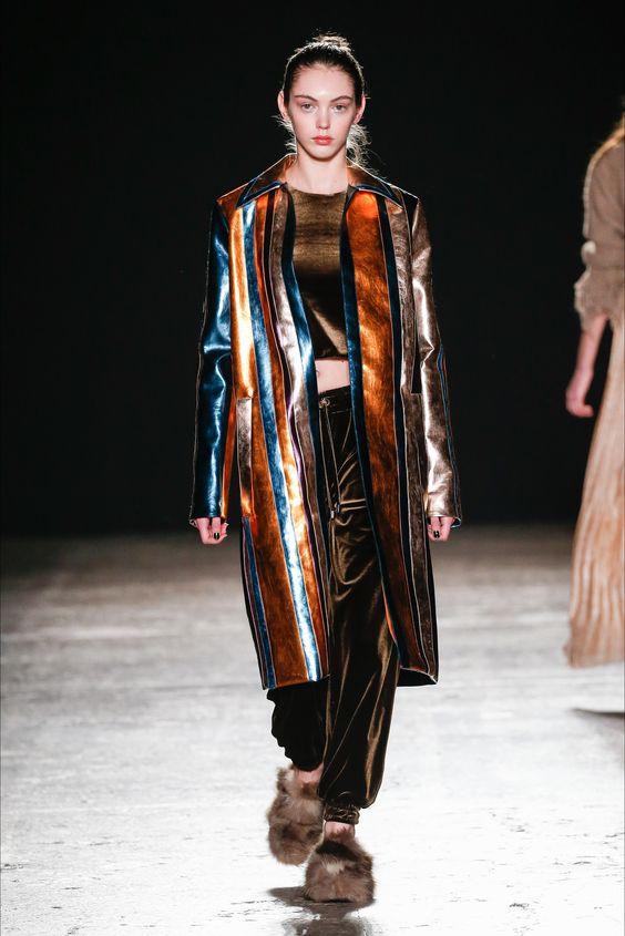 Sfilata Cristiano Burani Milano - Collezioni Autunno Inverno 2016-17 - Vogue