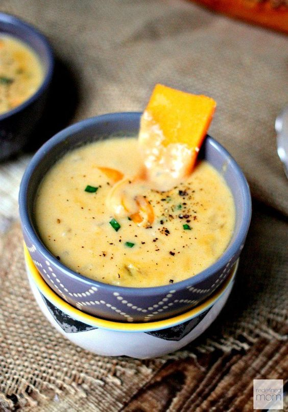 Slow Cooker Apple Beer Cheese Soup