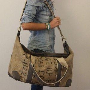 Très beau sac de voyage en toile de jute et coton gris .  Ethiquement inspiré,