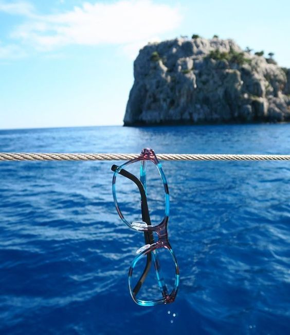 #neubaueyewear #eyewear #stilllife #stilllifephotography #still #photography #glasses #spectacles #design #art #sea #rhodes #travelphotography #seaside #boat #blue #sailing #productphotography 5m