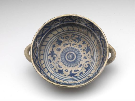 porringer, 1500 - 1550 h. 6.4 x diam. 15.7 cm maiolica (Europe > Western Europe > The Netherlands > Zeeland > Goes)