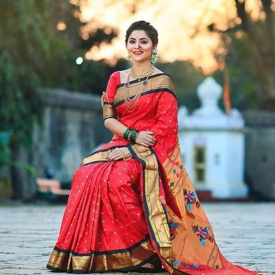 TOP 10 MOST BEAUTIFUL TRADITIONAL DRESS OF INDIAN