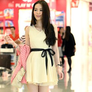Sleeveless Dress with Contrast Sash