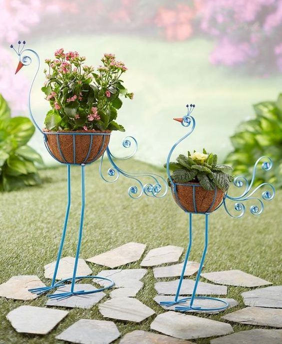 100 Beautiful DIY Pots And Container Gardening Ideas (57)