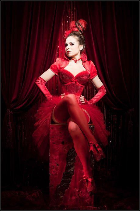 Royal Black - Austria  http://pinup-fashion.de/5693/royal-black-extravagante-korsetts-aus-osterreich/    corsets, pinup, burlesque, red