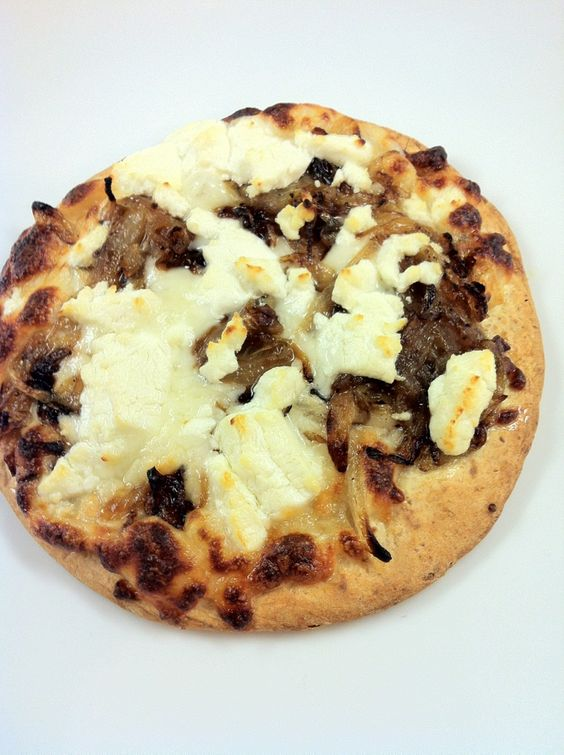Flatbread pizza with goat cheese and caramelized onion