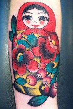Tatuaje de muñeca rusa