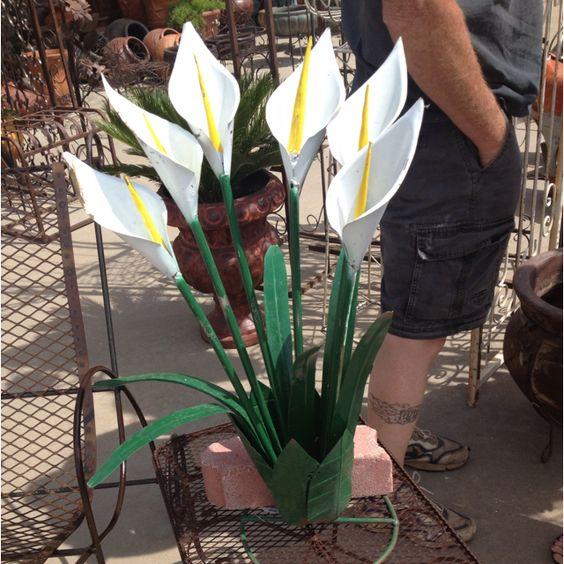 Love the calla lilies