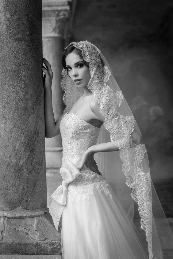 La suggestione di un abito di alta sartoria..... Alessandra Rinaudo per le spose più attente ed esigenti! Venite a scoprire i dettagli e la preziosità di pizzi e tessuti delle nostre collezioni sposa! 031272396 www.tosettisposa.it #abitidasposa2015 #wedding #weddingdress #tosetti #abitidasposo #abitidacerimonia #abiti #tosettisposa #nozze #bride #modasottoleate lle #alessandrotosetti #domoadami #nicole #pronovias #alessandrarinaudo# realtime #l'abitodeisogni #simonemarulli #aireinbarcellona