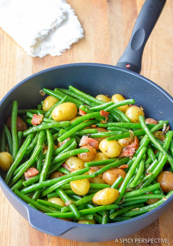 Crisp Haricots Verts Salad With Fresh Tomatoes And Garlic Recipe ...