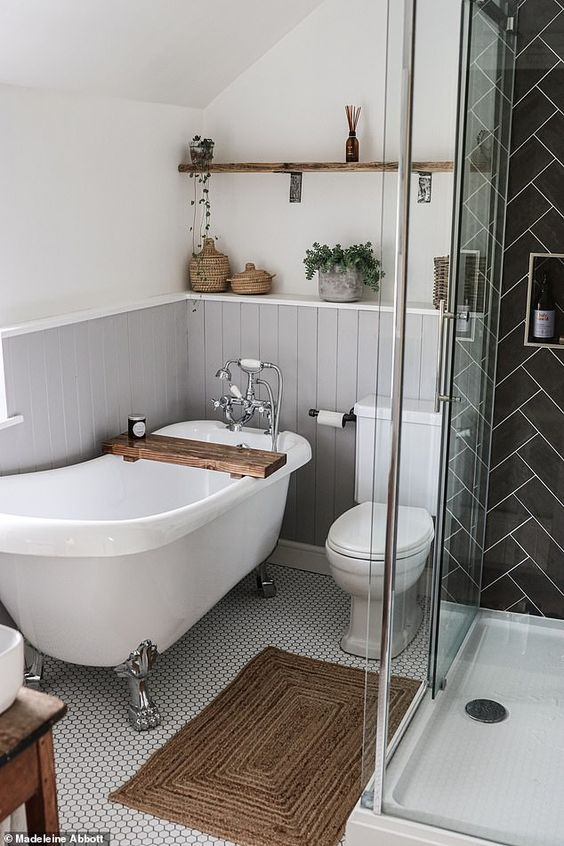 First-time buyer reveals how she turned a tiny bedroom into a spacious bathroom worthy of Instagram | Daily Mail Online