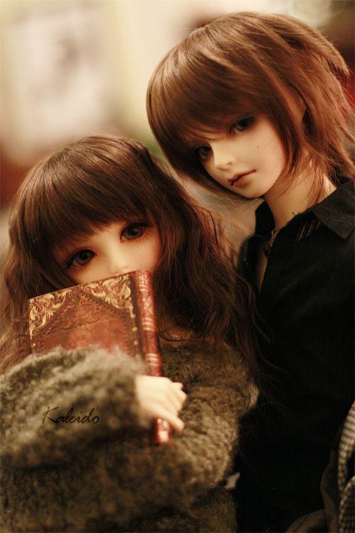Roku always belongs to his younger sister Yoko.