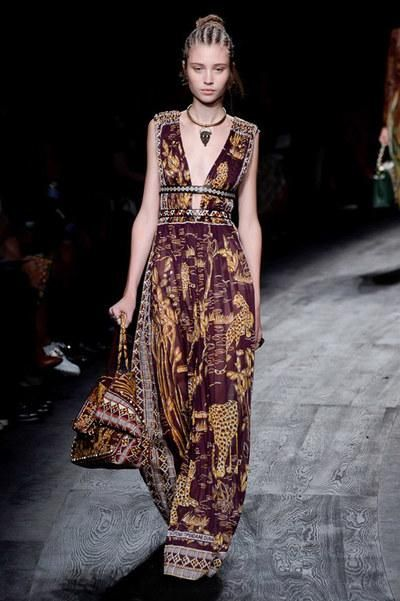 Valentino Spring 2016. See the full collection here: