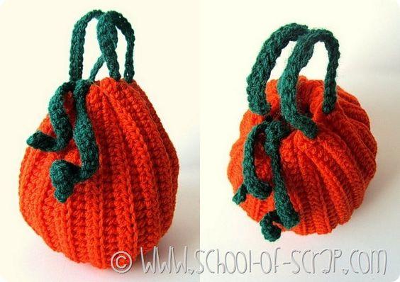 Scuola di uncinetto: come fare la borsetta a forma di zucca per Halloween: