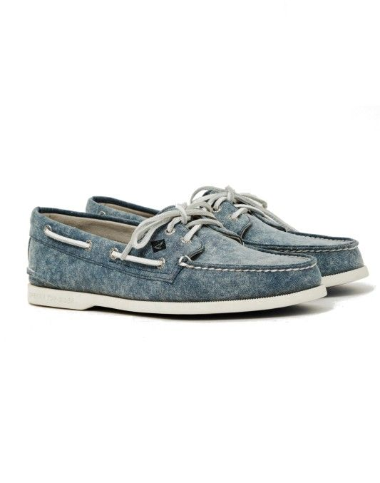 Sperry A/O 2-Eye White Cap Canvas Boat Shoe Navy
