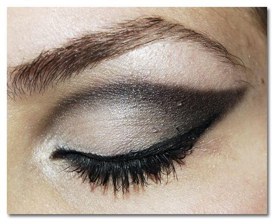 Tonalidades de sombras que no pueden faltar en tu kit de maquillaje