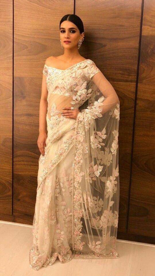 Kriti Sanon At Virushka Wedding Reception Manish Malhotra Sari