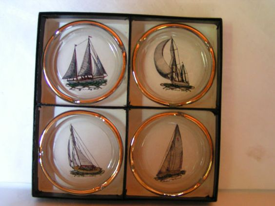 Super Vintage 1960s Retro Viking Glass Company Boxed Set of 4 Sailing Ships Ashtrays Perfect for Nautical or Maritime Decor