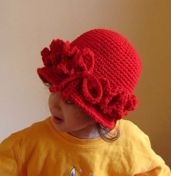 Easy crochet, Easy crochet patterns and Cloche hats on ...