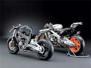 04 CBR 1000RR Naked 04 HONDA MOTOGP Racebike, RC211V MotoGP bike. side by side comaparison